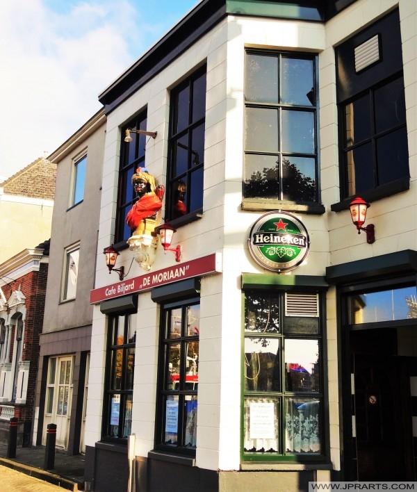 Kawiarni i bilard De Moriaan w Maassluis, Holandia