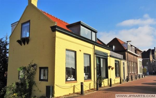 Casa amarilla en Maassluis, Países Bajos