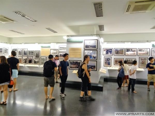 照片在战争残余博物馆在胡志明市,越南