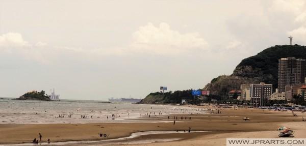 石油钻井平台关闭头顿,越南海岸