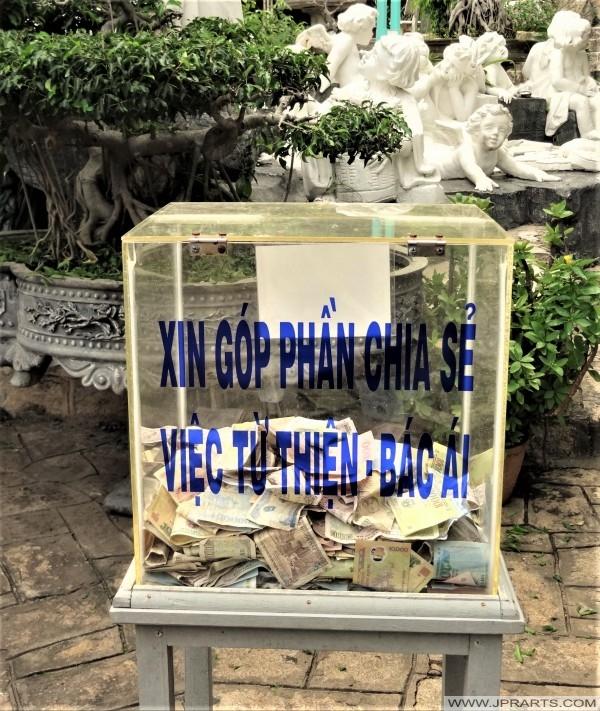 Khoản đóng góp trên Núi Nhỏ ở Vũng Tàu, Việt Nam