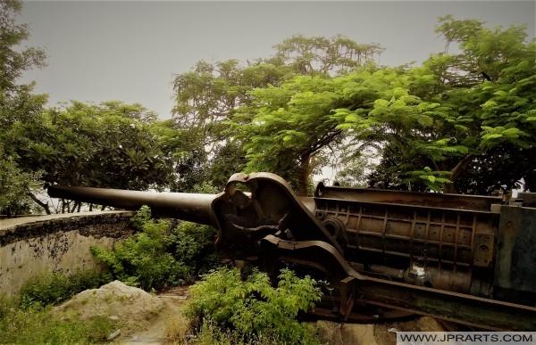 Pháo lớn nhất của Đông Dương trên núi Nhỏ ở Vũng Tàu, Việt Nam