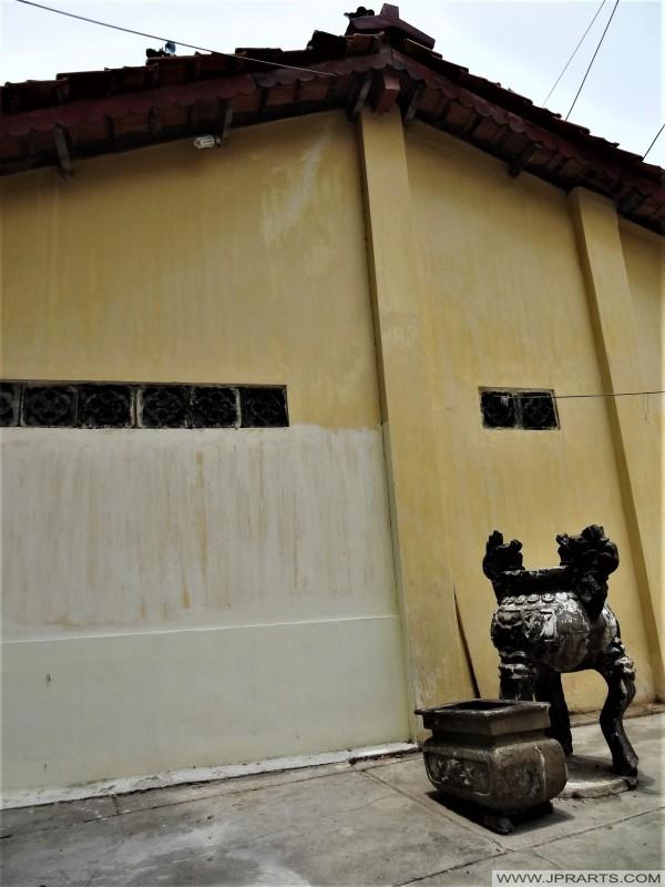 Kiểm soát tại một ngôi chùa ở Vũng Tàu, Việt Nam
