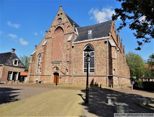 Front werjefte fan de Grutte of Jakobinertsjerke yn Ljouwert, Nederland