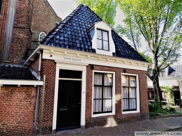Kleine Kosterij van de Jacobijnerkerk in Leeuwarden, Nederland