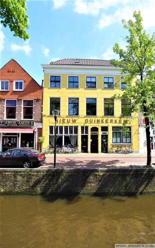 Voormalig Hotel Nieuw Duinkerken aan het Groot Schavernek te Leeuwarden, Nederland