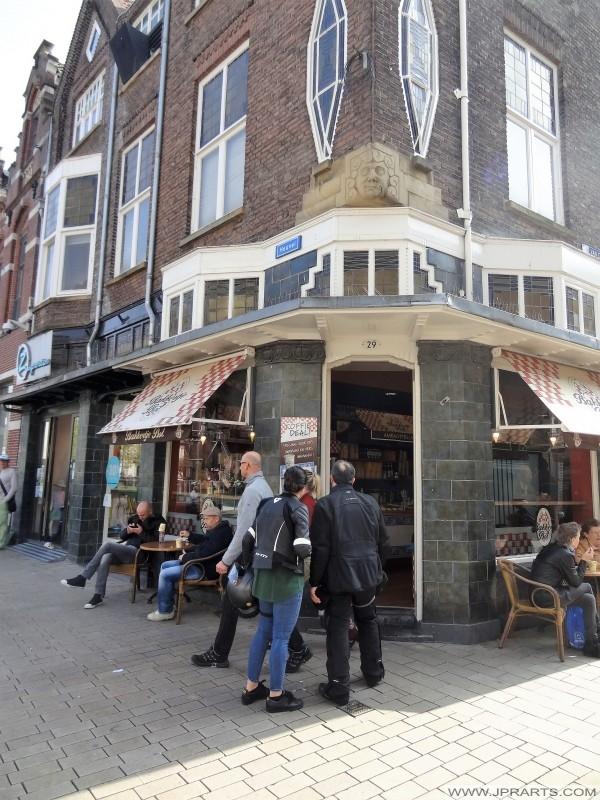 Bakkertje Bol op de Heuvel in Tilburg, Nederland