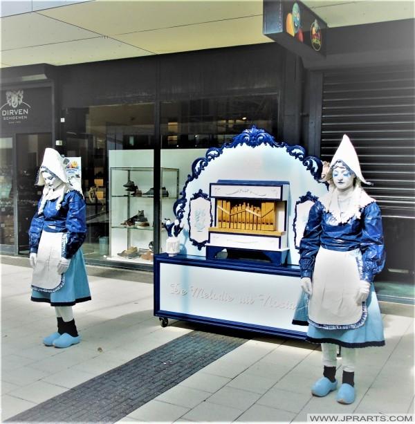Delft Blue Street Art 'De Melodie uit Nosta'