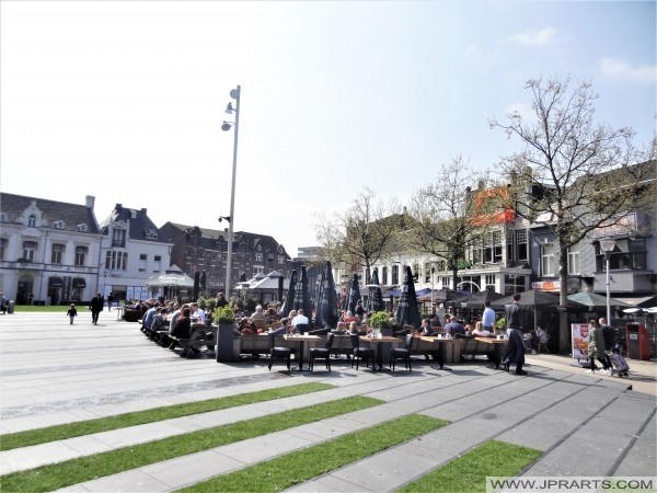 Terrasjes op de Heuvel in Tilburg, Nederland