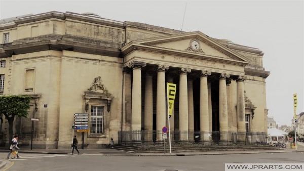 Ancien Palais de Justice à Caen, France