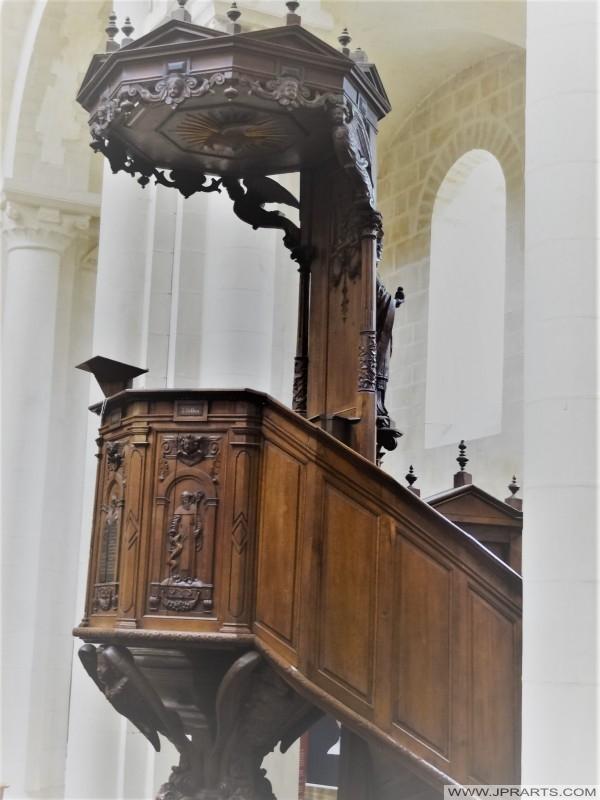 Chaire à l'Église de la Trinité (Abbaye aux Dames) à Caen, France