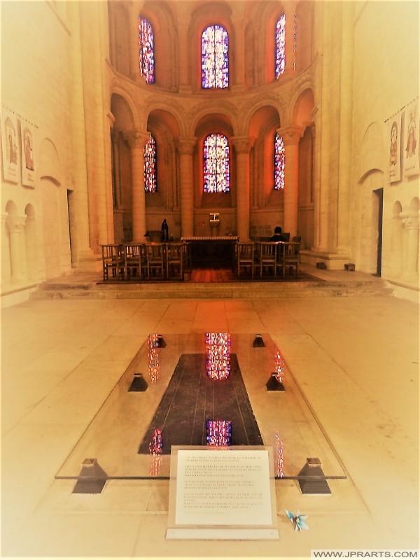 Le tombeau de la Reine Mathilde dans l'église abbatiale de la Sainte-Trinité (Caen, France)
