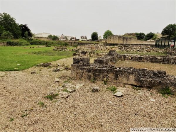 Ruines au Château de Caen, France