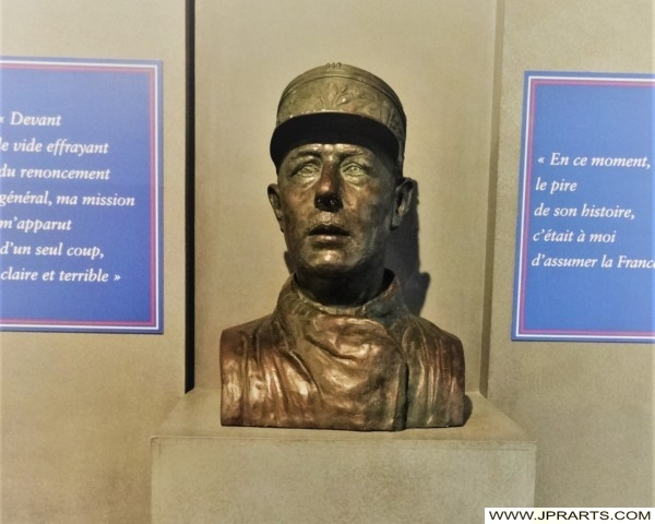Buste Charles de Gaulle (Museum of the Battle of Normandy in Bayeux, France)