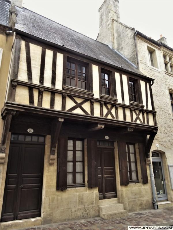 Monument Historique Situé à Bayeux, France