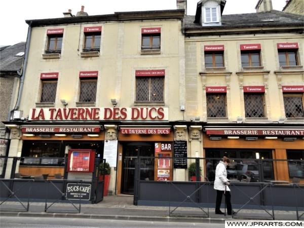 Restaurant La Taverne des Ducs à Bayeux, France