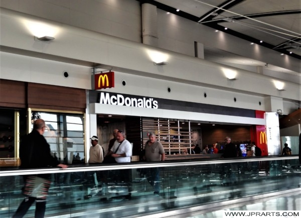 McDonalds at Detroit Airport (Michigan, USA)