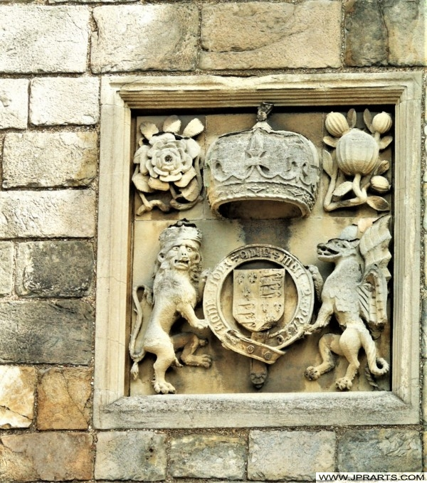 Royal Crest above Henry VIII Gateway, Windsor Castle, Berkshire, UK