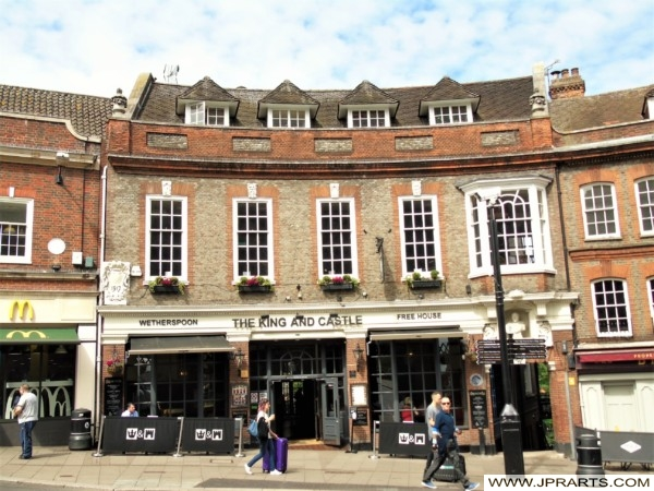 Wetherspoon Pub The King And Castle In Windsor Berkshire Uk