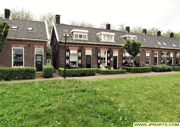 Huizen langs de Dijk in Kinderdijk, Nederland
