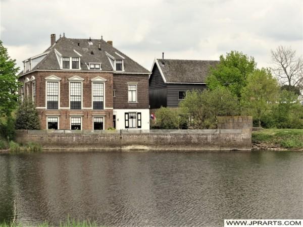 Stary Budynek w Kinderdijk, Holandia