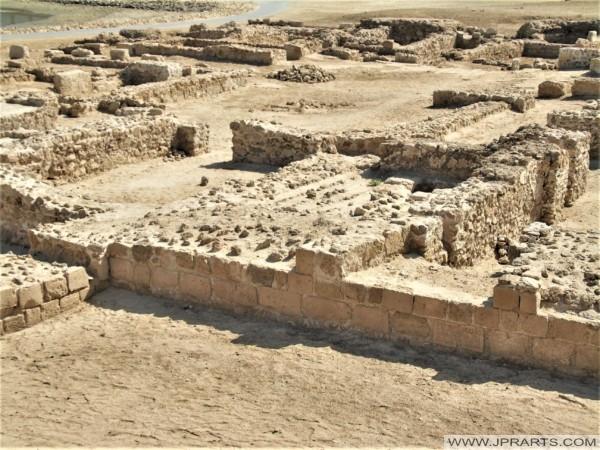 الحفريات الأثرية بالقرب من قلعة البحرين