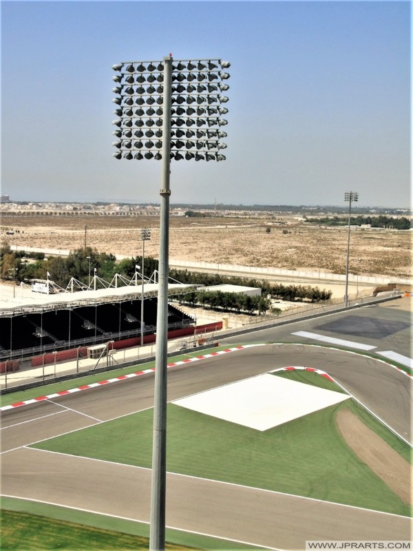 قطب الإضاءة في حلبة البحرين الدولية