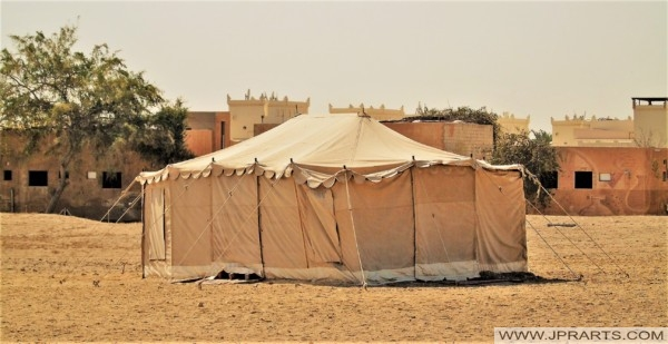 خيمة صحراوية في البحرين