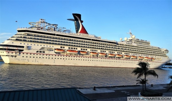 Lead Ship of the Destiny-Class Carnival Sunshine (Carnival Destiny)
