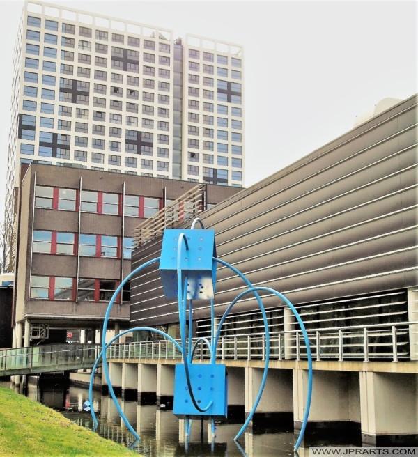 Kunstwerk ´Het Geheim van Nano´ bij het Van Leeuwenhoek Laboratorium in Delft, Nederland